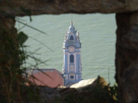 Der berühmte blaue Kirchturm der Dürnsteiner Kirche