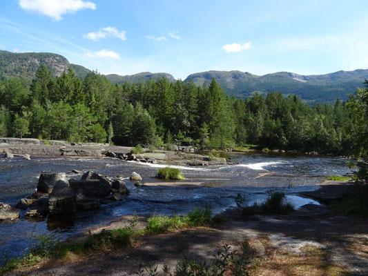 Badestelle Honnevje, drei Kilometer nördlich von Valle gelegen