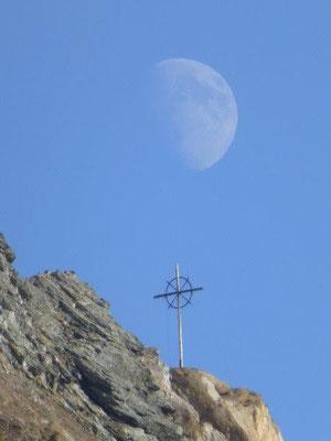 Mond überm Sajatkopf