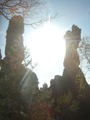 Die Herkulessäulen in der Herbstsonne