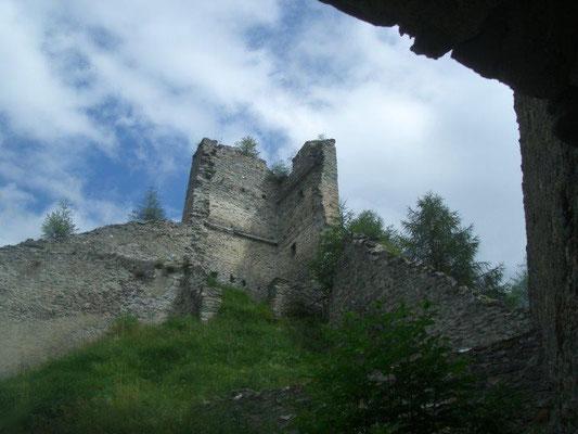 Die Burg Rabenstein war eine der höchstgelegenen Burgen Tirols