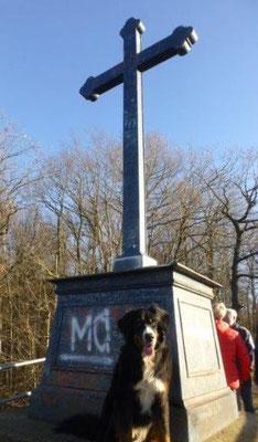 Das Körner-Denkmal auf dem Harrasfelsen