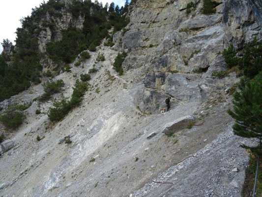 ... und schließlich galt es, steile Schuttkegel zu queren.
