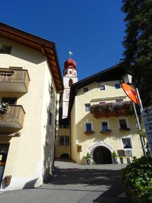 Das kleine Örtchen Tschars im Vinschgau