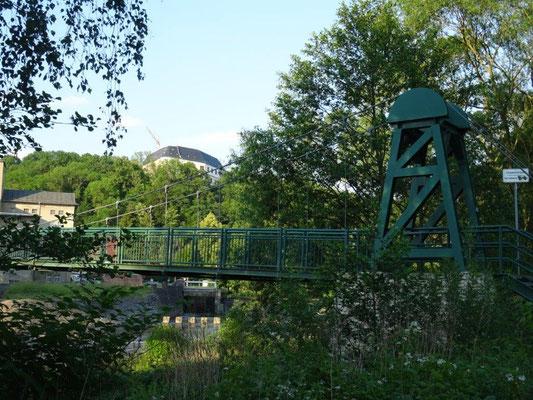 Die Hängebrücke in Sachsenburg....