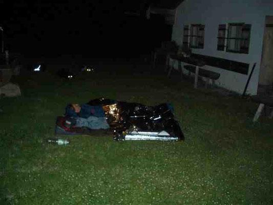 Nachtlager vor der Almhütte am Jenner