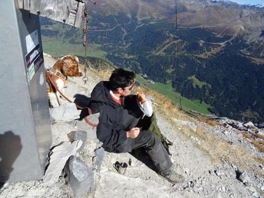 Gipfelglück auf dem Piz Lat