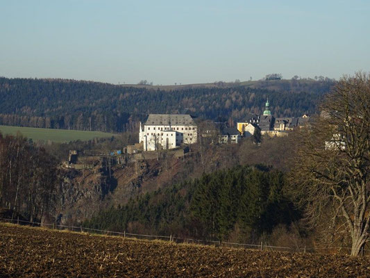 Der Ort und das Schloß Wolkenstein thronen auf einem Felsen hoch über dem Zschopautal