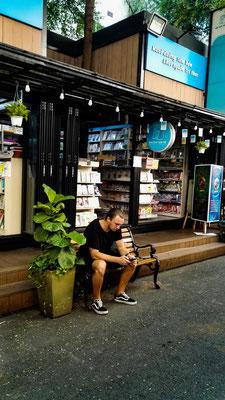 Bücherstraße in Ho Chi Minh - Buchladen an Buchladen