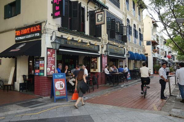 Am Singapur River gibt es sogar einen Pub.