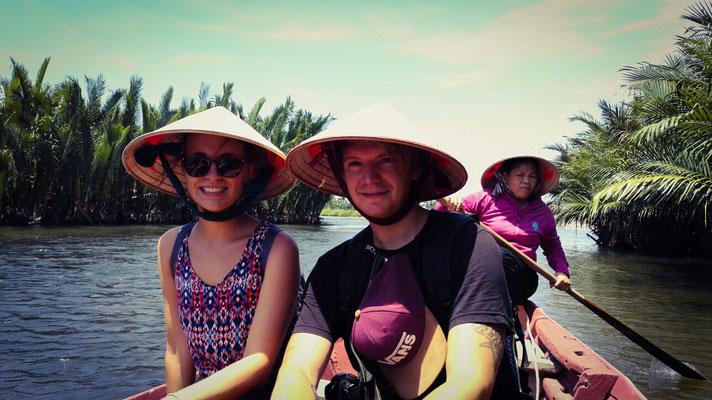 Die Reishüte sind als Sonnenschutz ziemlich praktisch.