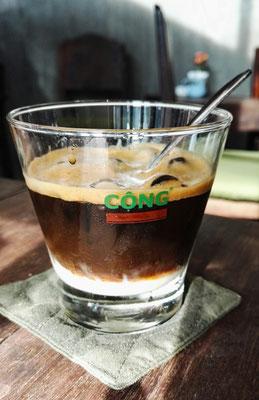 Lieblingsgetränk Phin Cafe mit Kondensmilch auf Eis