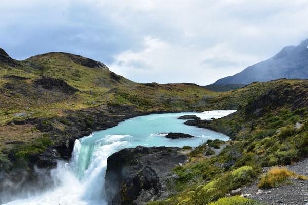 Wasserfall im Torres Del Paine