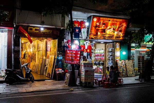 Nachts in Hanoi