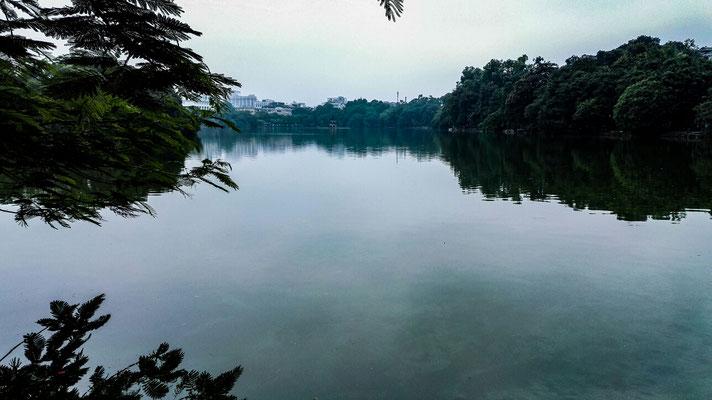 Der See mitten in Hanoi. Am Wochenende gibt es um den See keinen Verkehr zum enstpannten spazieren. Ein wenig erinnert er mich an den Maschee. Passt ja auch Hanoi = Hannover