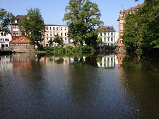 Blick vom Fluß Bille auf Bergedorf City