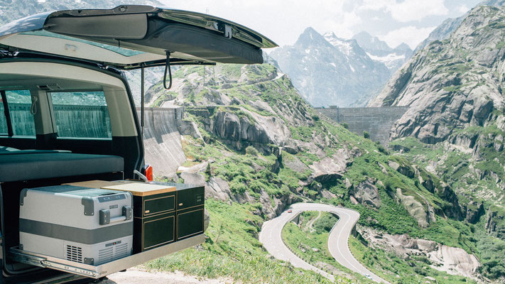 Heckauszug mit Blick auf die Schweizer Alpen
