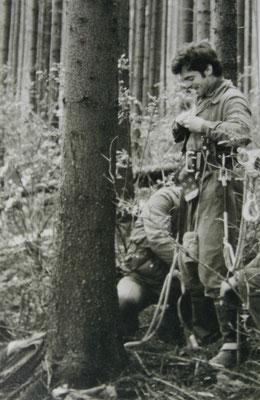 W.Malek beim Graureiherberingen