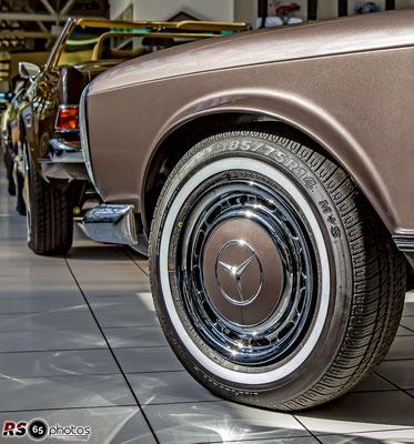 Mercedes-Benz 280 SL Pagode / Auto-Salon-Singen