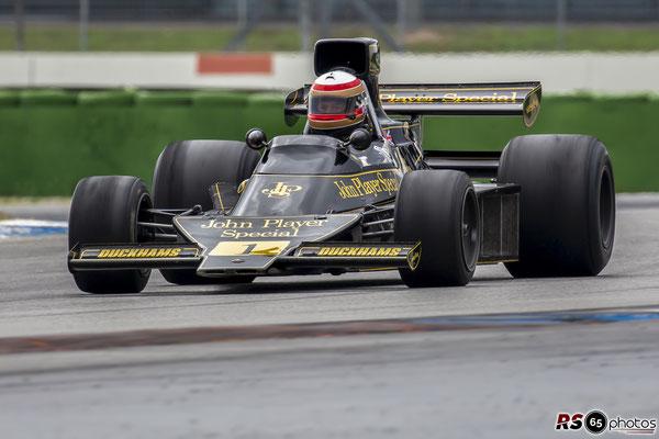 Lotus 76 - Black&Gold Collection - ChromeCars
