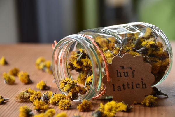 Huflattich, Kräuter, Wildkräuter, Kräutertee, herbs, herbal tea, Kräutertrocknung, Selbstversorgung, Vorratshaltung, selfsufficiency, Naturfotografie, Makrofotografie, krautfotografie.com, krautfotografie, krautblog.com, krautblog, Andrea Blum, Dornbirn