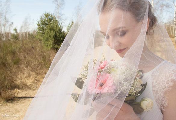 Braut unter dem Schleier