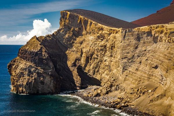 Lava -  Farol da Ponta dos Capelinhos