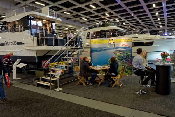 Ab Saison 2018 kann diese Yacht bei Yachtcharter Schroeder in Plau am See gemietet werden