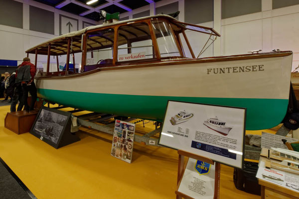 Wie immer: Die Traditionsboote in der Halle der Classic-Boote