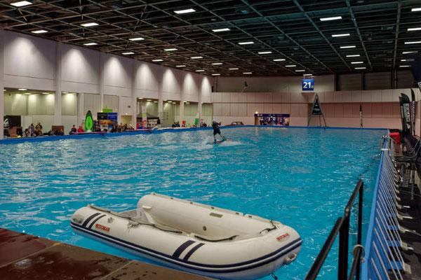 Aktion am Wakeboard-Pool mit Seilzuganlage und 20 x 50 m Wasserfläche