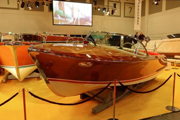 Der Klassiker aus Holz mit vielen berühmten Vorbesitzern: Riva Boote