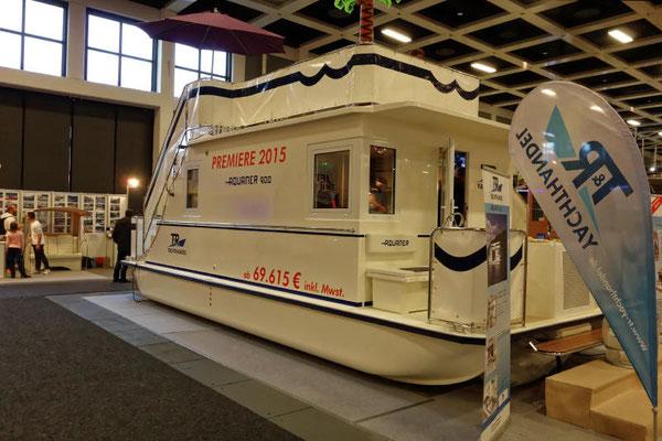Neu auf dem Bootsmarkt ist das Haus-Boot Aquaner, das es in den Typen 900 und 1200 gibt