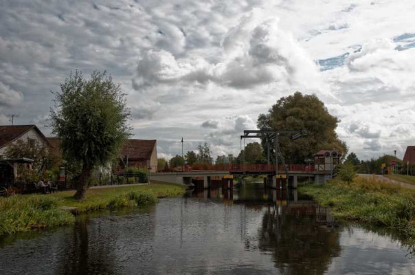 Die Klappbrücke in Niederfinow