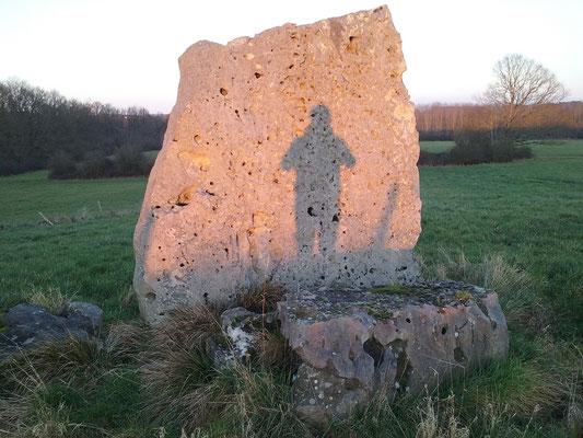 Menhir de la Pierre Levée (Saint-Paterne-Racan)