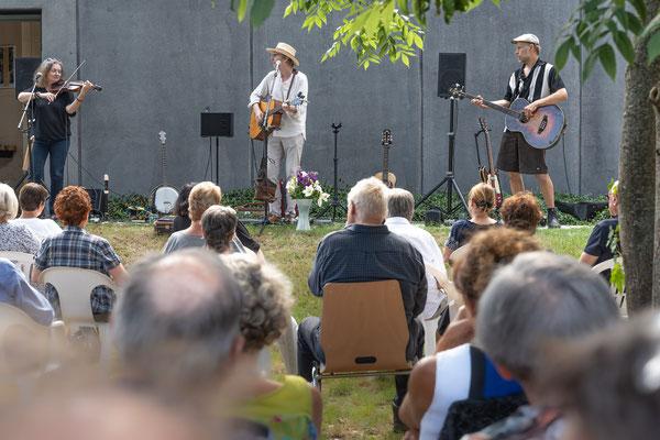 Zühlsdorf: Heidefestkonzert mit dem LÜÜL-Trio