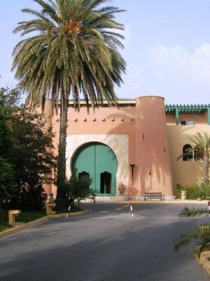 Sesam, Sesam öffne Dich! (Hoteleingang in Tunesien)