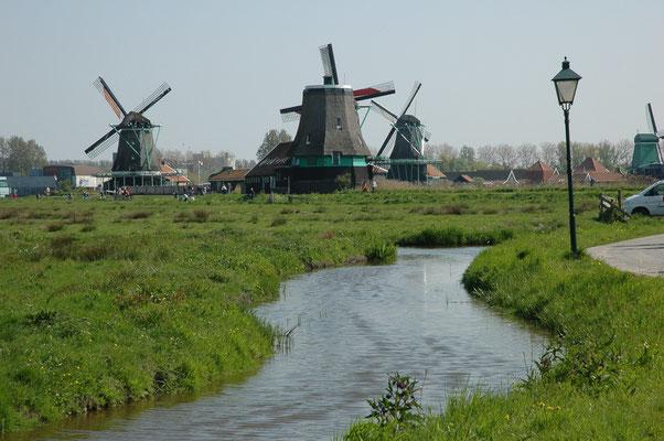 Historische Windmühlen (De Zaanse Schaans / Holland)