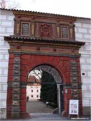Schlosseingang in Třeboň