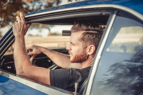 Männerfotoshooting Fotoshooting für Männer Outdoor Pics Menpics Fotografin Talia Männerportraits  Geschenkidee für Männer