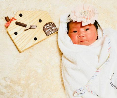 助産院でのご出産のお祝いは世界で一つ、木工作家・村里さんの手作り時計です。