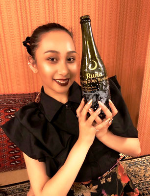 酒 オリジナル ボトル ワイン シャンパン プレゼント 写真 ロゴ 名入れ スワロ 誕生日 お祝い  ノベルティ 格安 製作 東京 世界で1つ 名前 オーダー