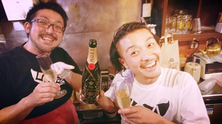 幸大 蒔田 もつ焼き ワイン シャンパン 酒 オリジナル ボトル メッセージ モエ マグナム 名前 名入れ ロゴ 開店祝 周年祝 プレゼント 記念品 格安 東京 製作 彫刻