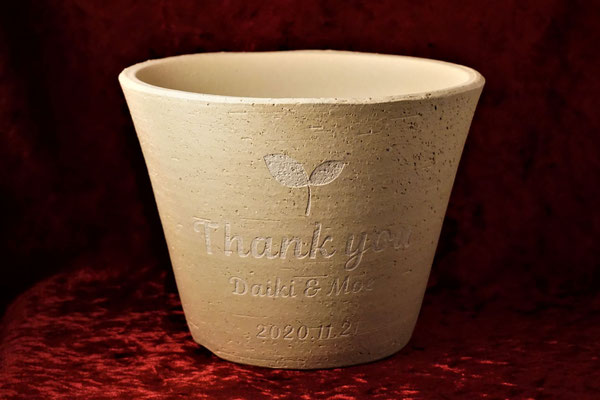 植木鉢  名入れ 彫刻 名前 写真 ロゴ  おしゃれ 格安 東京 祝 プレゼント 映え オンリーワン