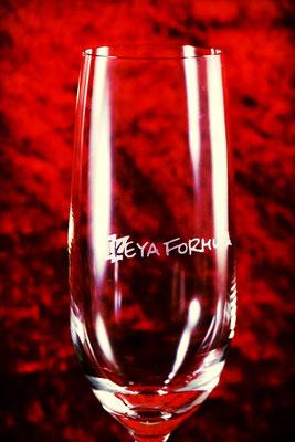 グラス ロゴ 名入れ ノベルティ 記念品 格安 製作 アトリエ・エノン シャンパングラス プレゼント ギフト おしゃれ 販促 東京