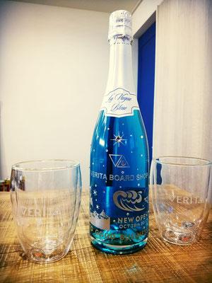 青い シャンパン ワイン オリジナル ボトル ギフト プレゼント ロゴ 名入れ 開店祝 格安 おしゃれ 東京 ノベルティ 記念品 スワロ
