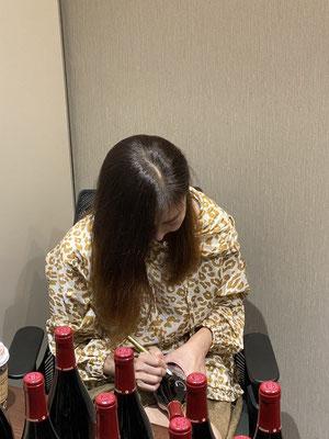 中山美穂 オリジナル ボトル ワイン シャンパン 酒 彫刻 オリシャン おしゃれ 格安 東京 スワロ 記念品 ノベルティ 誕生日 ギフト