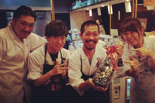 江古田 居酒屋 とろわる ワイン シャンパン 酒 オリジナル ボトル メッセージ モエ マグナム 名前 名入れ ロゴ 開店祝 周年祝 プレゼント 記念品 格安 東京 製作 彫刻