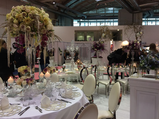 Stilvoll dekorierte Tischdekoration für eure Hochzeit
