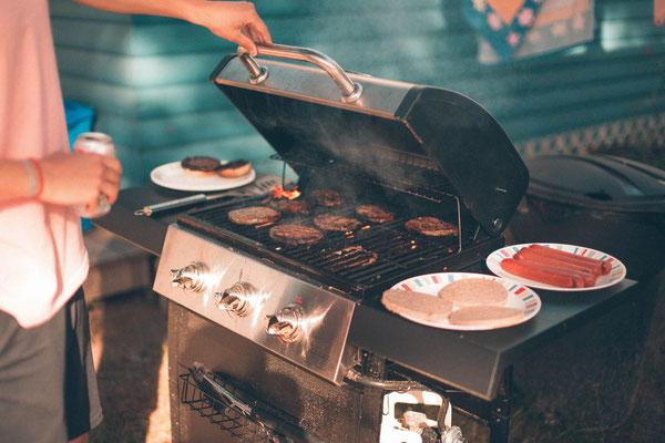 ein mobiler Sektempfang auf einer BBQ Party