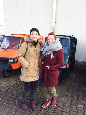 Yvonne und Lilli bei ihrem ersten Termin bei der Werkstatt in Geesthacht